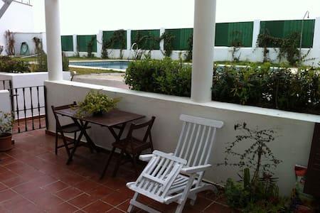 Habitación con terraza y piscina - Zahara de los Atunes