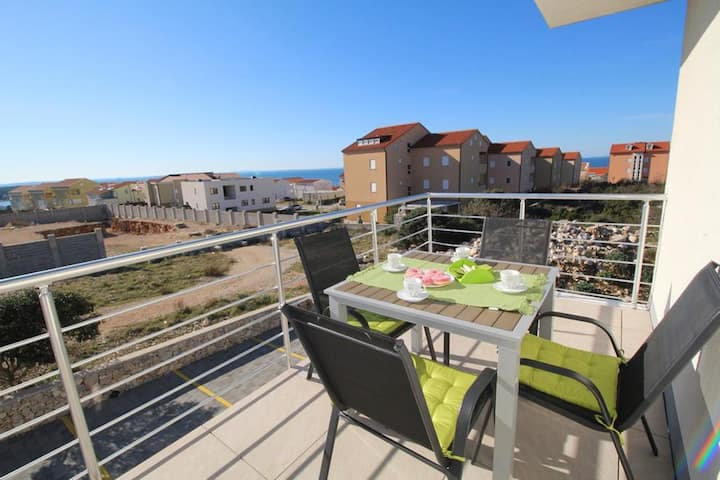 One bedroom apartment with terrace and sea view Novalja, Pag (A-17954-d)