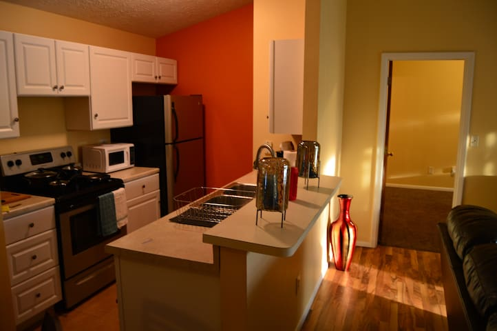Relaxed 2 BD/  2BA Condo in Scenic Settting.