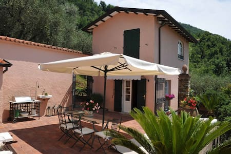 Villa Gardenia with jacuzi near to beaches 5Terre - Ortonovo - Vila