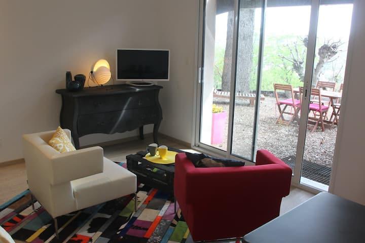 Private apartment, view, garage & swimming pool