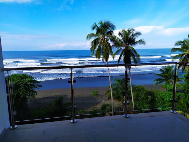 Apartamento con espectacular vista en Playa Bejuco