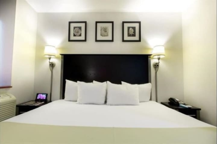 Empire State - Comfy King Room