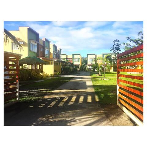 Bayan Apartelle, 3 bedroom Duplex apartment