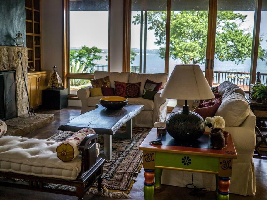 Open Living Space, gorgeous lake views