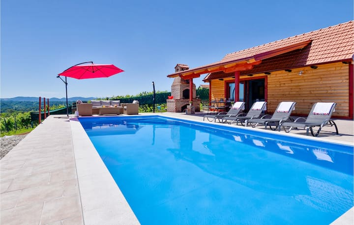 Beautiful home in Donja Plemenscina with Outdoor swimming pool, WiFi and 2 Bedrooms