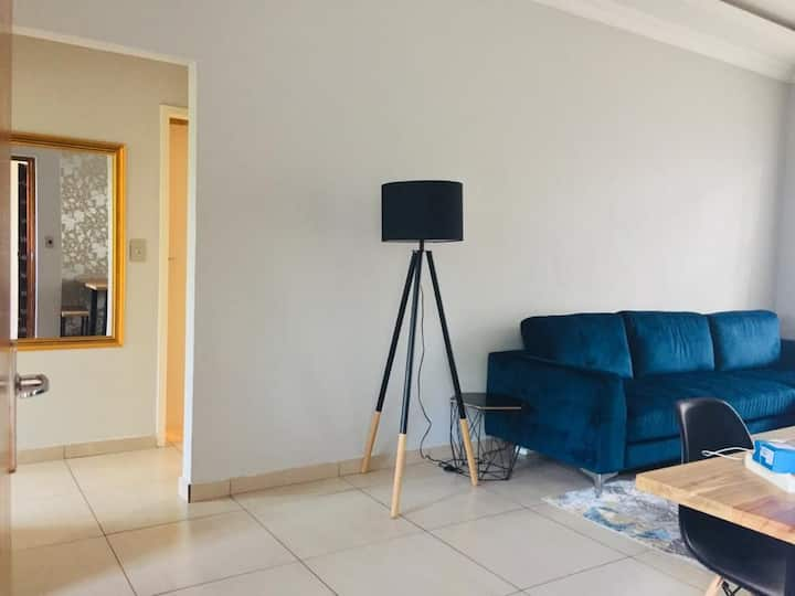 2 Bedroom flat in secure complex - Saxonwold