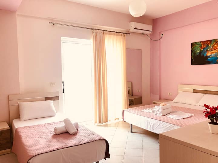 Big room for 3 persons in Saranda,Judi aparthotel