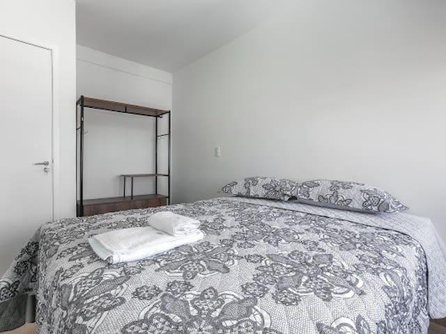 Apto 83 inteiro completo 2 dormitórios, reformado