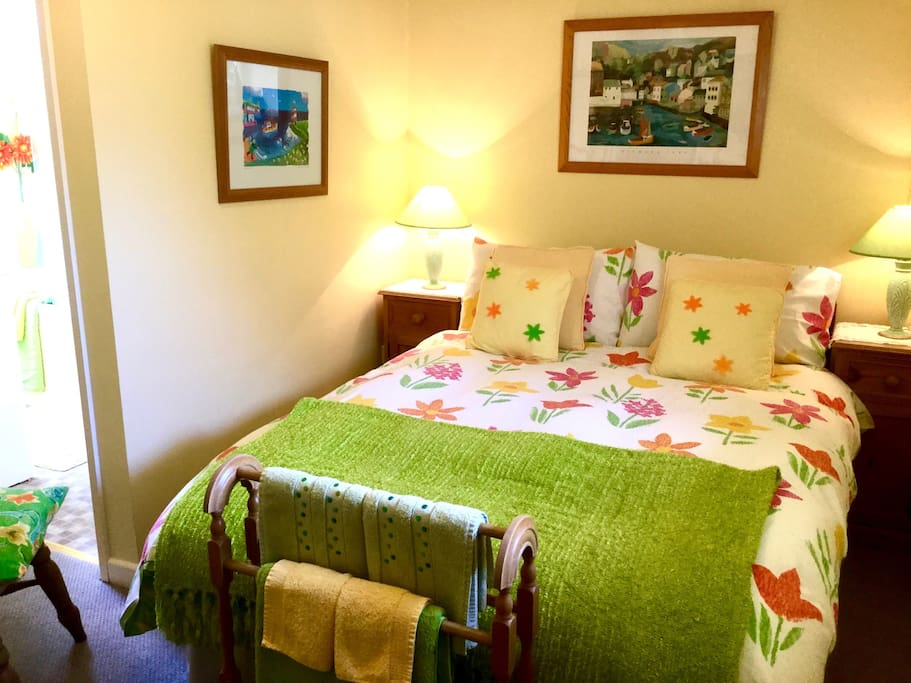 Relax in Style - Comfortable Double Bedroom with Woodland & Garden Views