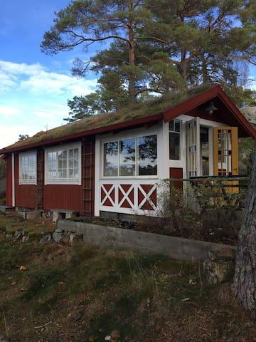 Skärgårdsställe på ö mellan Stavsnäs/Sandhamn
