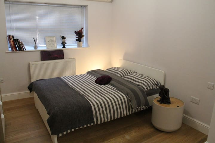 Lovely double bedroom with ensuite bathroom