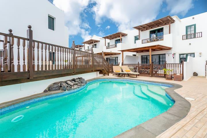 Casa Lila- Pool, Exotic Villa, Sea Front