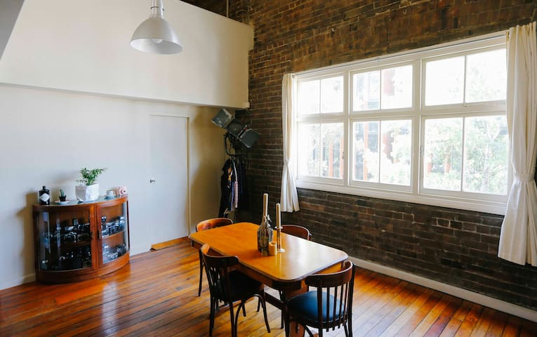 Central Warehouse Loft Apartment - Chippendale - Loft