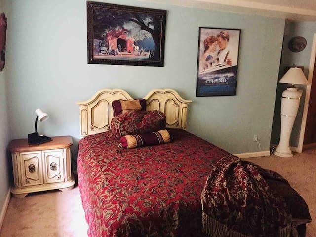 Beautiful bedroom in a quite, safe  neighborhood
