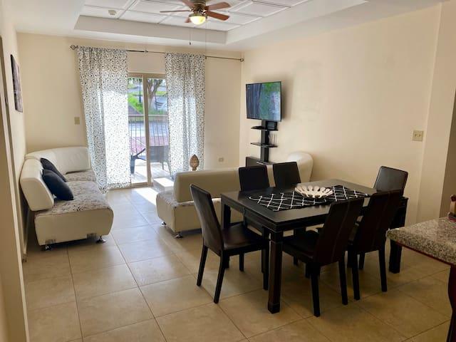Apartamento 101 en Valle del rio Condominium