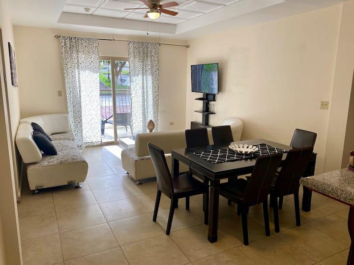 3 Bedroom 101 en Valle del rio Condominium