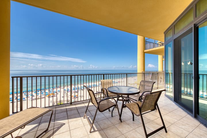 Luxurious gulf front condo w/ gorgeous views, lazy river, water slide, & sauna!