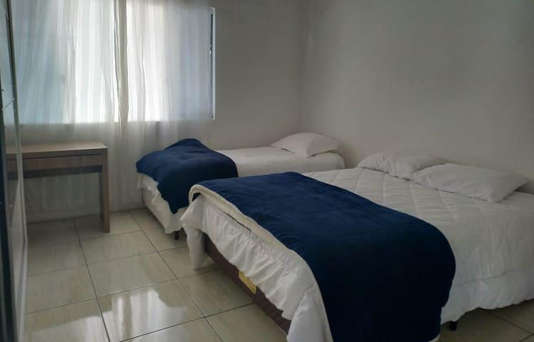 Suíte confortável em Curitiba c/garagem