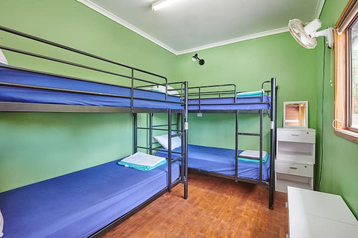 Cosy 4 bed dorm in Byron Bay