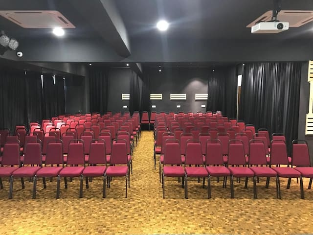 Event Hall /Concert/Feasts/Talks/150+pax/A:9am-1pm