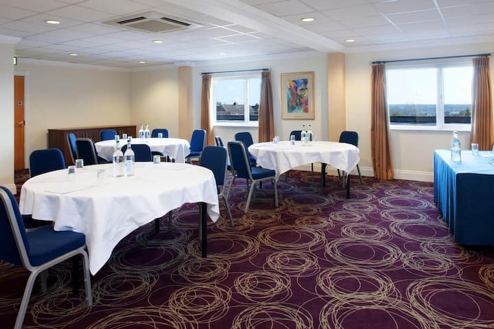Contiguous Room Standard At Barnsley
