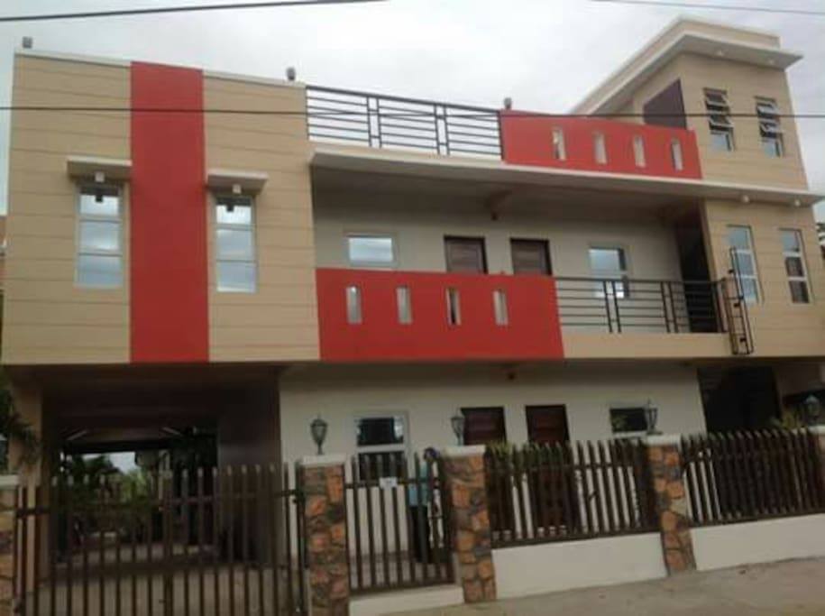 2 storey bed and breakfast near Robinsons Mall in Ilocos Norte