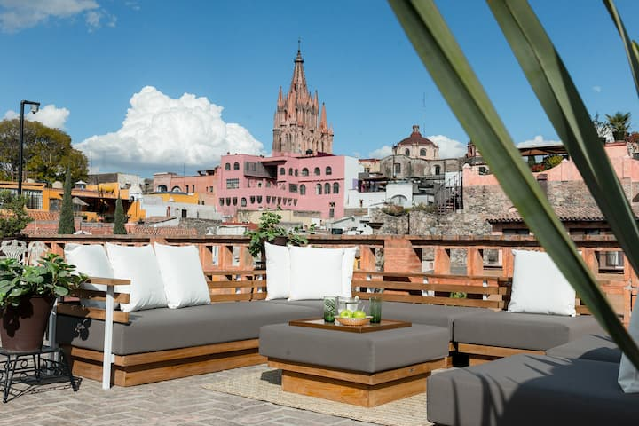 Historic casona with jacuzzi and rooftop 360 view