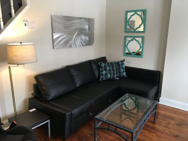 Antique Charm, Modern Comfort in Pet-friendly 2BR