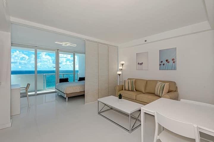 Stunning Ocean View in Miami Beach!!! free parking