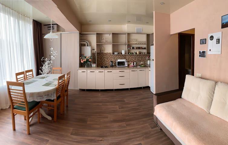 Уютная 2-х ком. квартира для себя и для друзей!