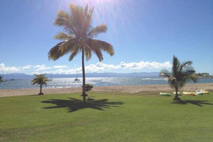 Beautiful beachfront Villa in Cruz de huanacaxtle