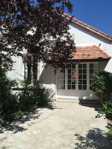 Maison près de la plage et centre ville à Fouras - Fouras - Haus