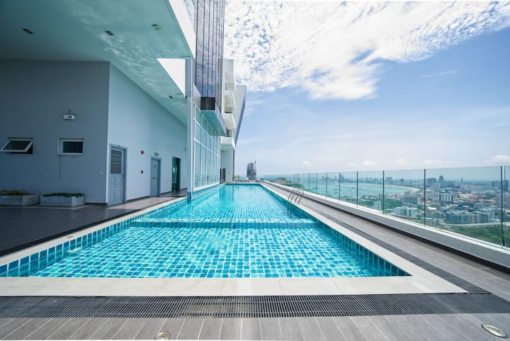 The Vision 5th floor swimming pool city 1 bed