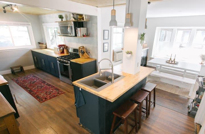 Quaint and Cozy Minneapolis Home