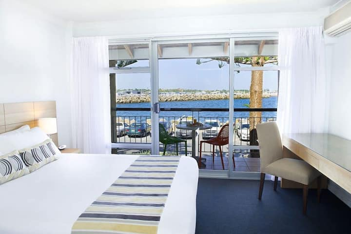 Fremantle Harbour View Two Bedroom Apartment