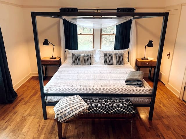 Black & White Room at Riverpath Inn