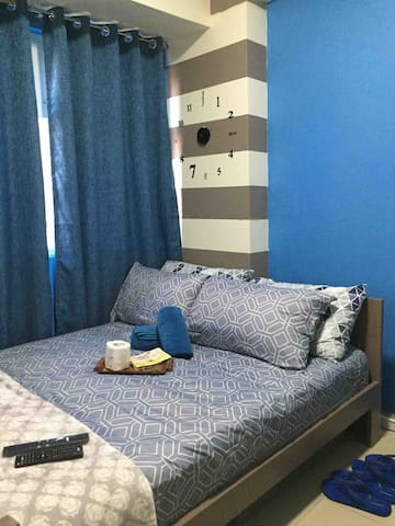 Budget friendly room near Ortigas CBD with Netflix