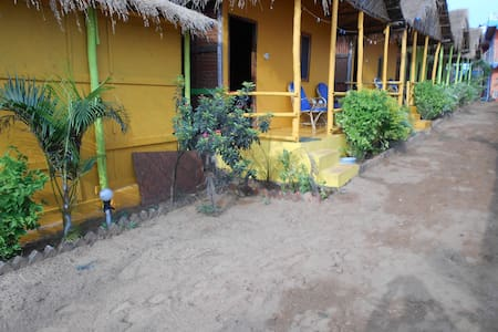 Molly's Nest Cottage - Mandrem
