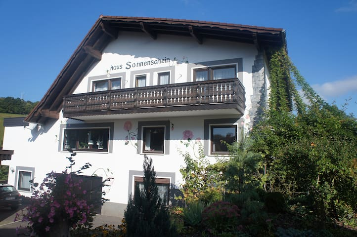 Urlaub in der Natur- Apartment mit 3 Schlafzimmern - Mespelbrunn - Huoneisto