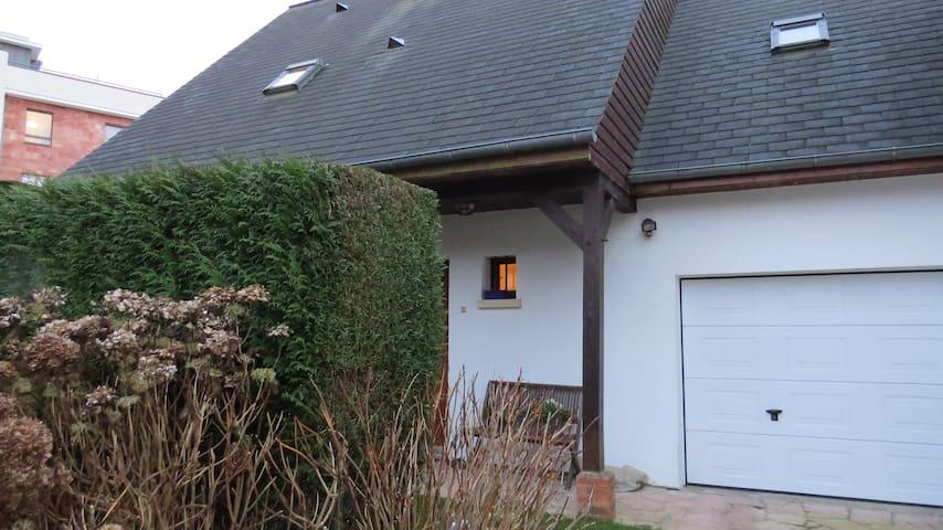 Chambre avec salle de bain privative proche Rouen - Bois-Guillaume - House