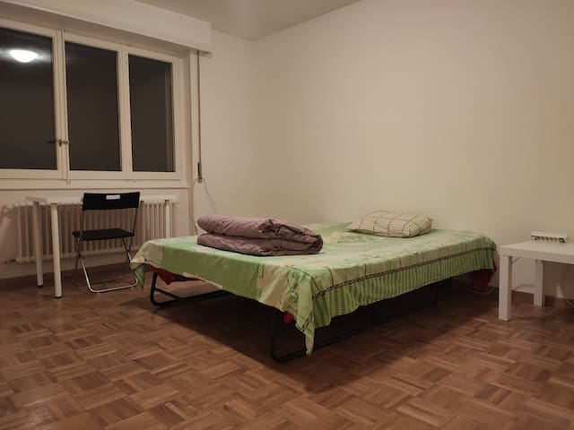 Spacious apartment close to all amenities