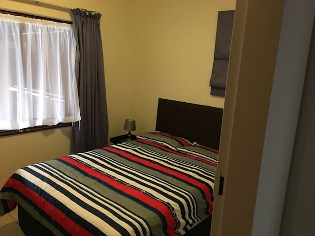 Fully equipped suite 15 minutes from Sandton CBD - Randburg - Apartamento