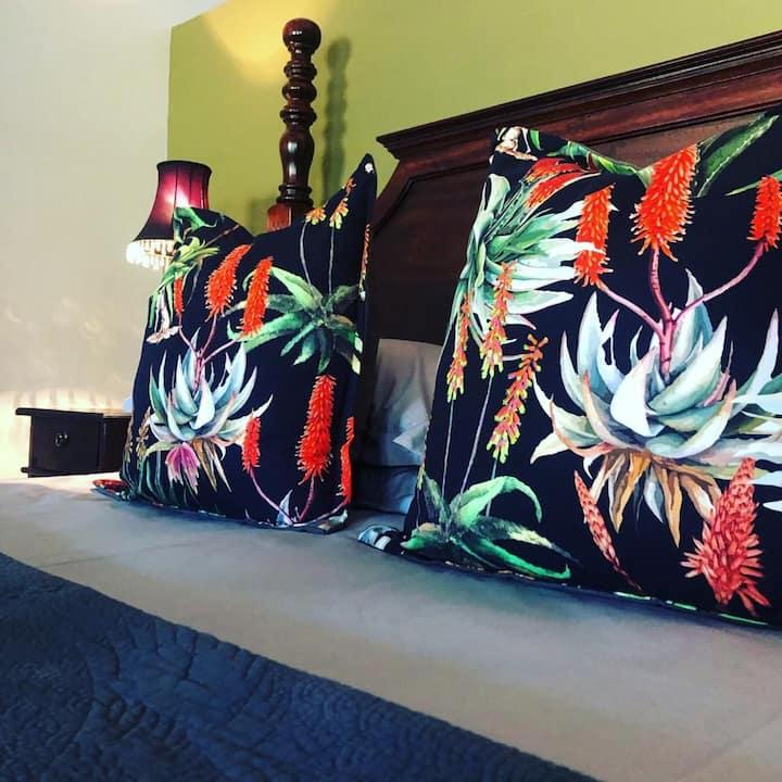 Green Hills - Aloe Room