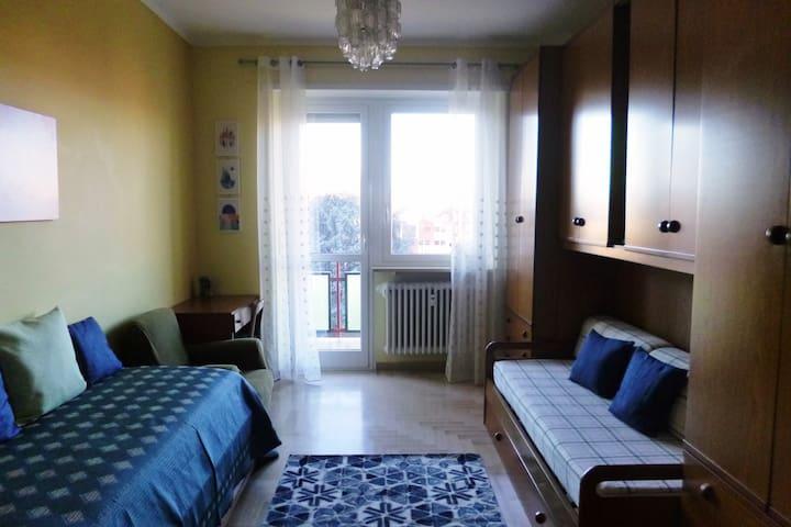 Stanza 2 letti singoli con balcone