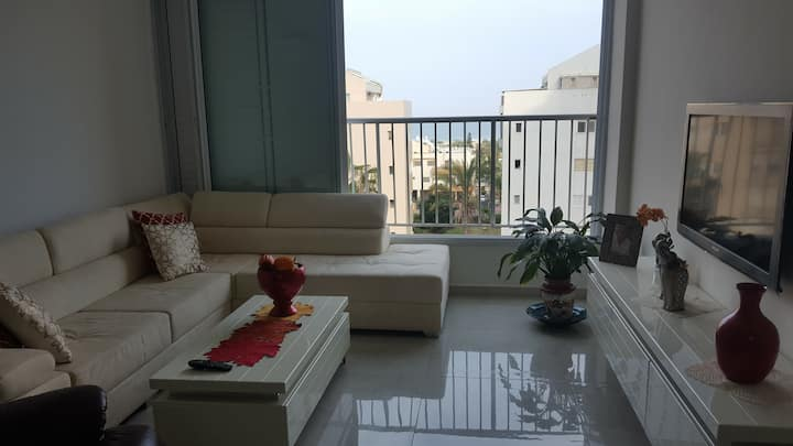 3 BR renovated apartment with ocean view
