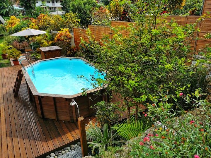 Spacieux rez de jardin de 200m² dans villa