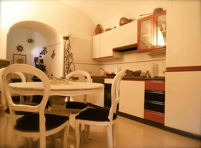 Typical Amalfi Coast flat - 4 beds - Atrani - Huoneisto