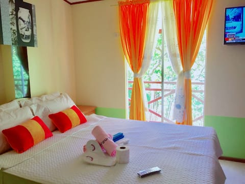 Budget Hotel with Complete Amenities