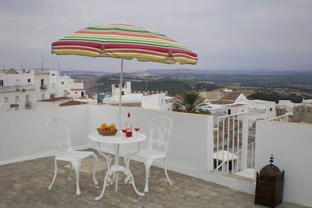 Traditional patio house in Vejer's historic centre - Vejer de la Frontera